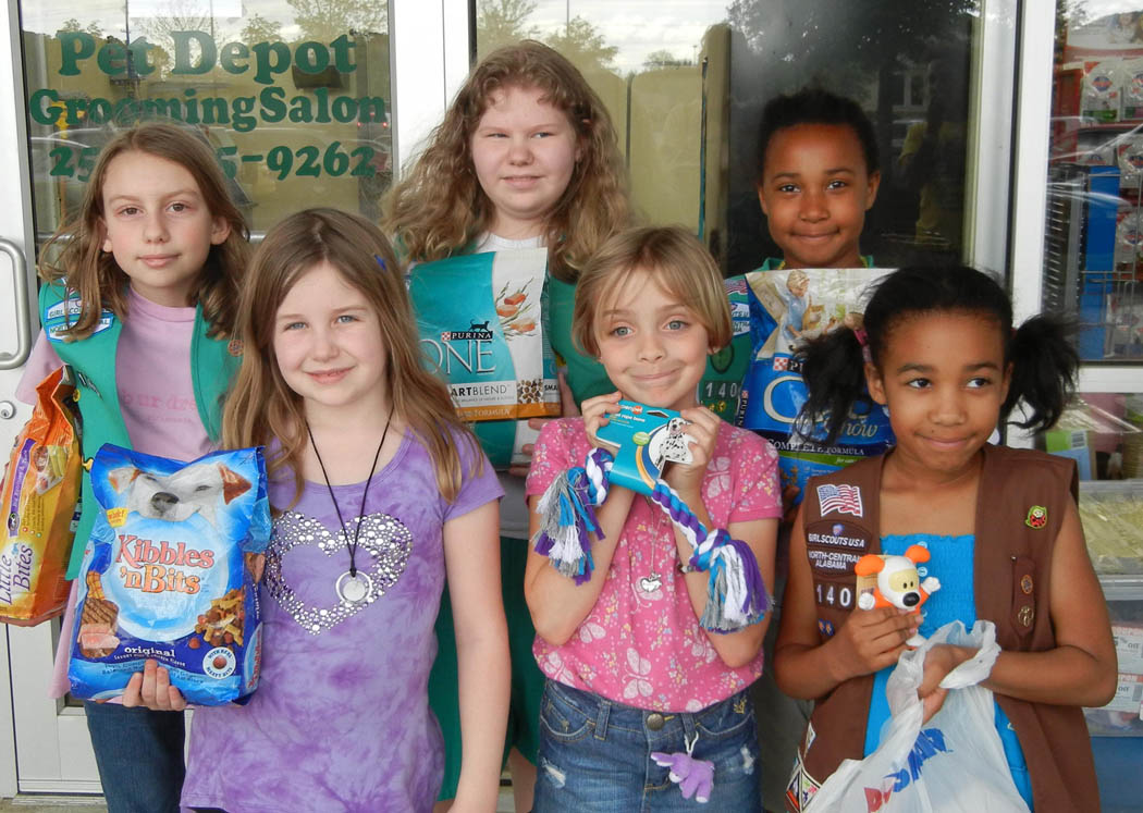 How to Write a Girl Scouts Newsletter Synonym
